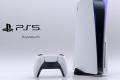 PS5: influencer in difficoltà, la console è molto grande